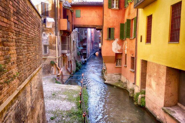 vie d'acqua a Bologna