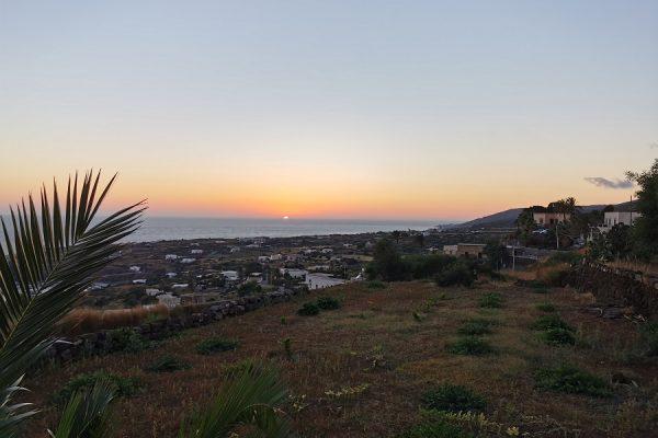 tramonto su isola di Pantelleria
